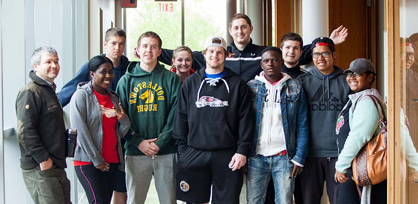 biology class posing in the Doering Center